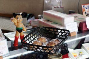 創業大正14年の和菓子店。鉄腕アトムで馬場を元気に!