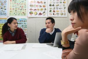 ミャンマー語を学んで留学生支援。