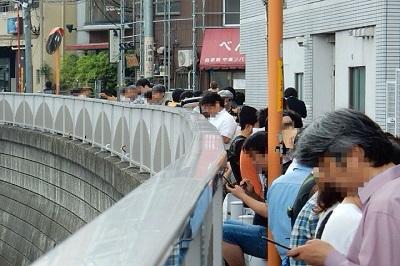閉店まであと4日!高田馬場「べんてん」行列狂騒曲―ちょっと5時間並んでみた(6月24日)