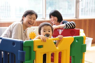 「日本児童教育専門学校」に親子で遊べる無料の子育てひろばを発見。