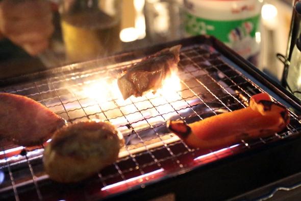 肉が焼けるぜ